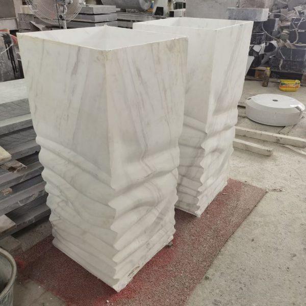 stone pedestal (1)